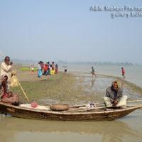 বিল কুমারী: মাছ ধরতে যাওয়ার অপেক্ষায়