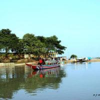 Tourist boat at Halti Beel